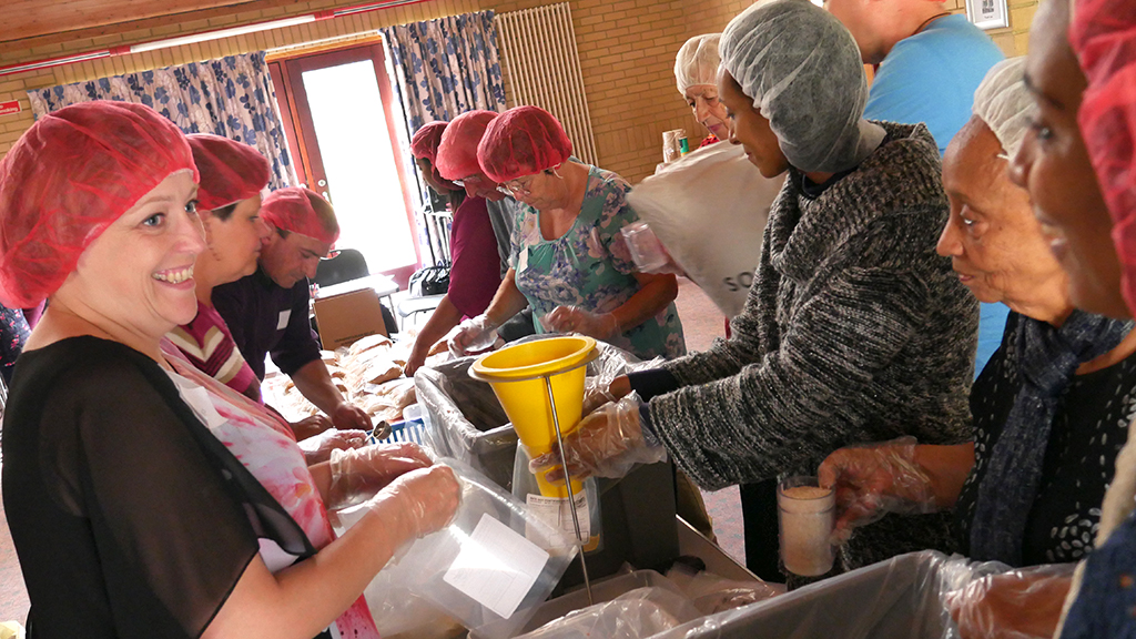 Photo of Hand to Hand food packing
